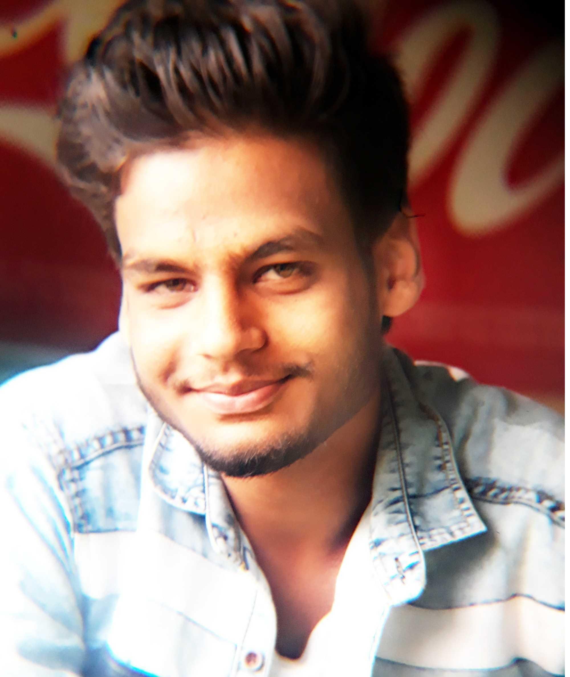 the best UI/UX Designer in hachiweb company dehradun